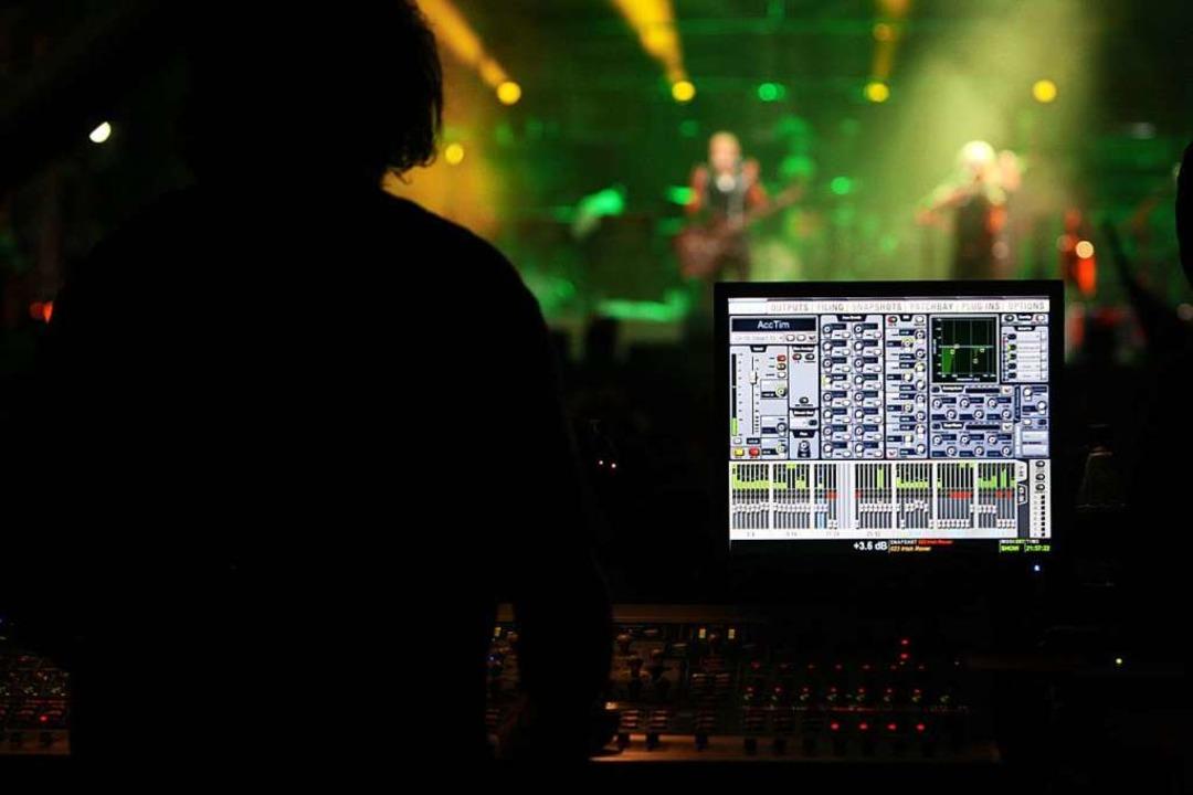 Tontechniker beim I EM Music-Festival (Archivfoto)  | Foto: Patrik Müller