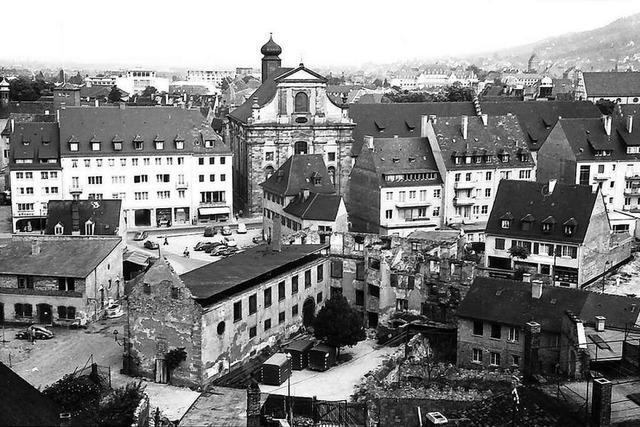 Freiburgs westliche Altstadt wird nach dem Krieg wieder aufgebaut