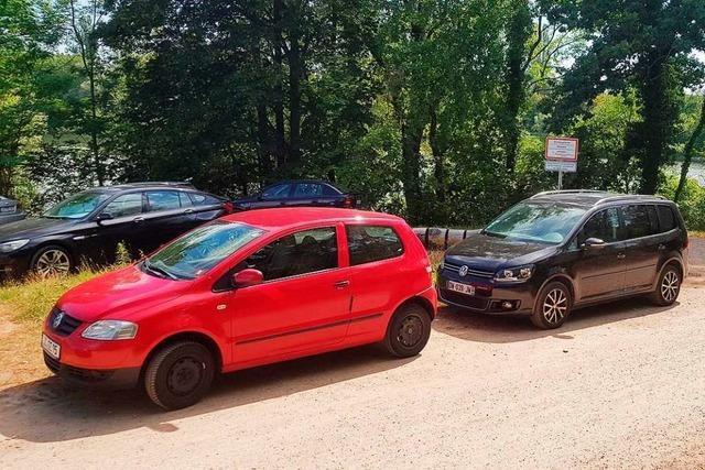 Die Isteiner Schwellen sind an schönen Sommertagen zugeparkt