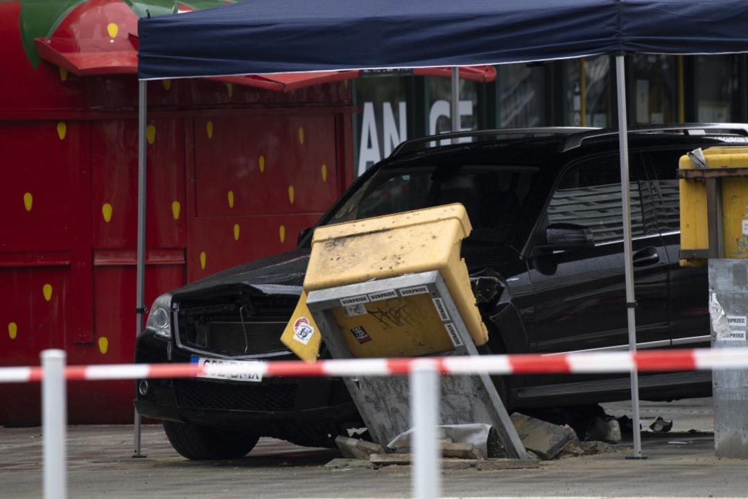 Die Unfallstelle am Hardenbergplatz in Berlin.  | Foto: Paul Zinken (dpa)