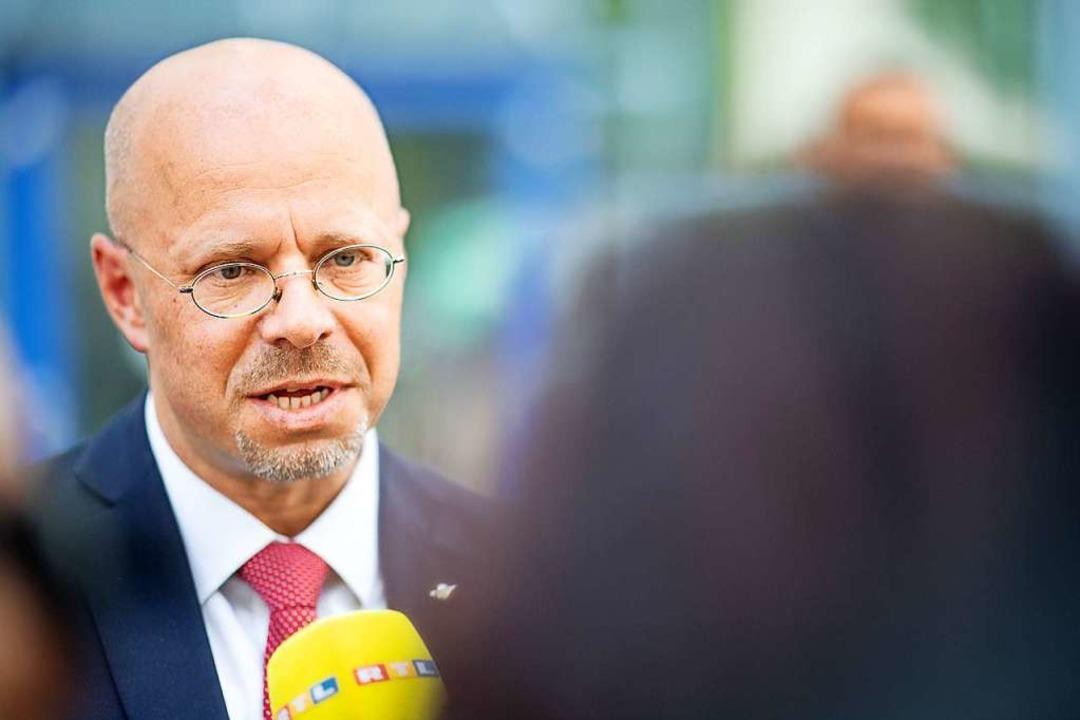 Andreas Kalbitz, AfD-Fraktionsvorsitze...ichts im Gespräch mit Medienvertretern    Foto: Sebastian Gollnow (dpa)
