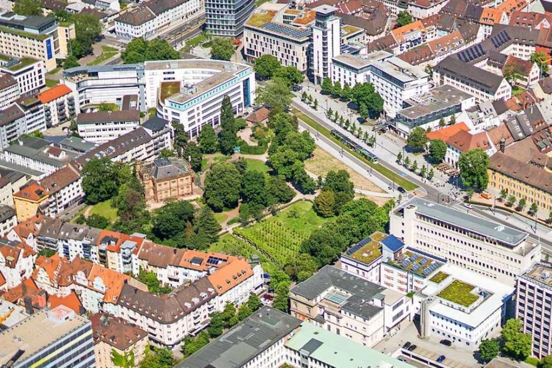 Der Colombipark ist eine grüne Oase mitten in der Stadt.   | Foto: Nils Theurer