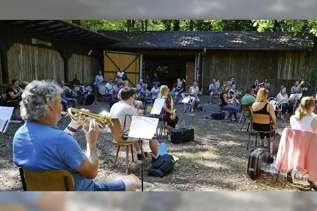 Blasmusik auf dem Waldfestgelände