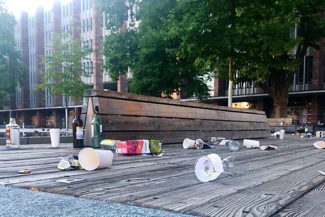 Freiburgs Plätze werden am Wochenende zu Müllhalden