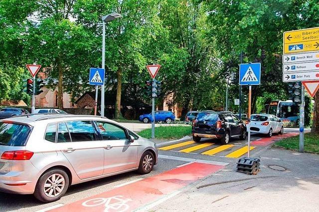 Provisorischer Zebrastreifen in der Gärtnerstraße soll Verkehr auflockern