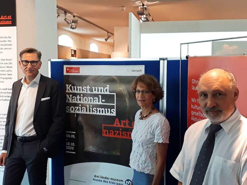 Museumsleiter Moehring (r.), Kuratorin... Liebenow, der das Museum unterstützt.  | Foto: Willi Adam