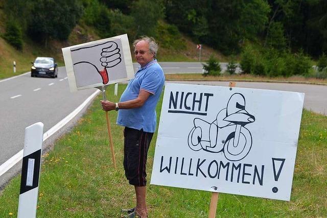 Menzenschwander Bürger protestieren gegen Motorrad-Lärm