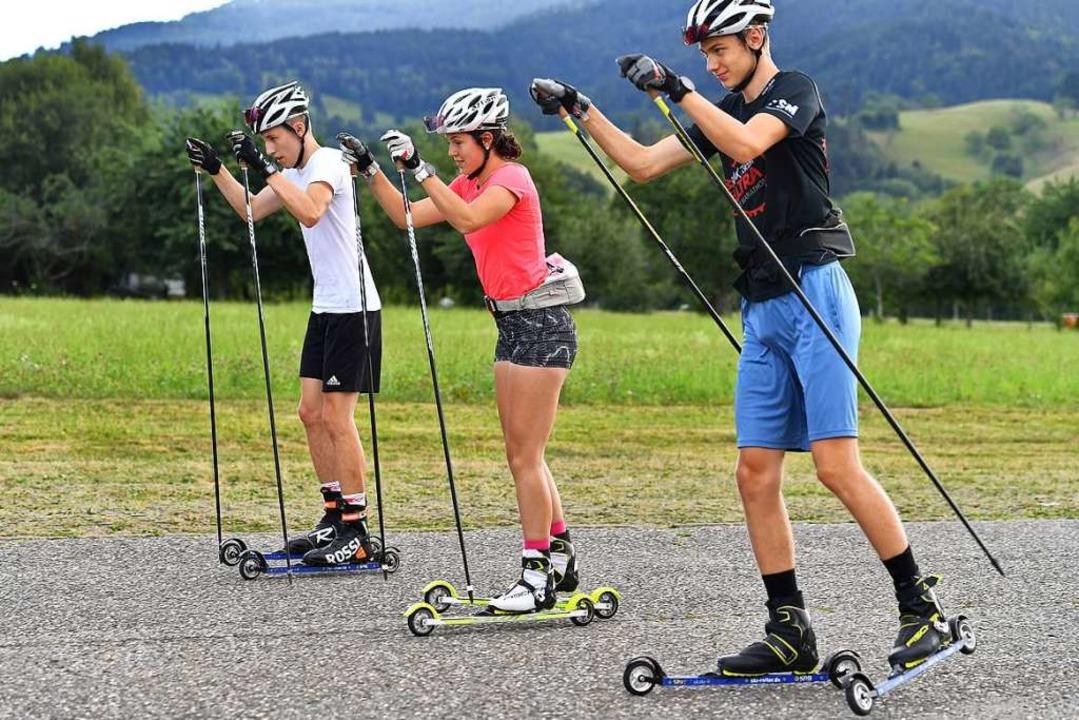 Paradiesische Verhältnisse: Trainingsa... Jahreszeit auf Rollski im Dreisamtal.  | Foto: Achim Keller