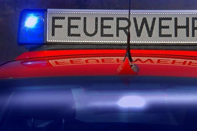 Freiburger Feuerwehr mit zwei Bränden in der Nacht auf Dienstag beschäftigt