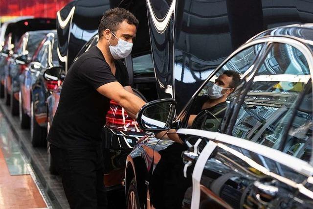 Weniger Geld, sichere Jobs bei Daimler
