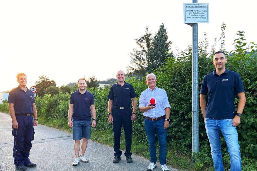 Sie nahmen die Warnanlage am Murger We...yer von den Stadtwerken Bad Säckingen.  | Foto: Freiwillige Feuerwehr Bad Säckingen