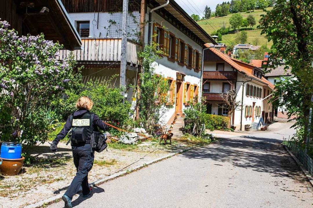 Riedichen, ein Ortsteil von Zell im Wi...uplatz eines brutalen Tötungsdeliktes.  | Foto: Philipp von Ditfurth (dpa)