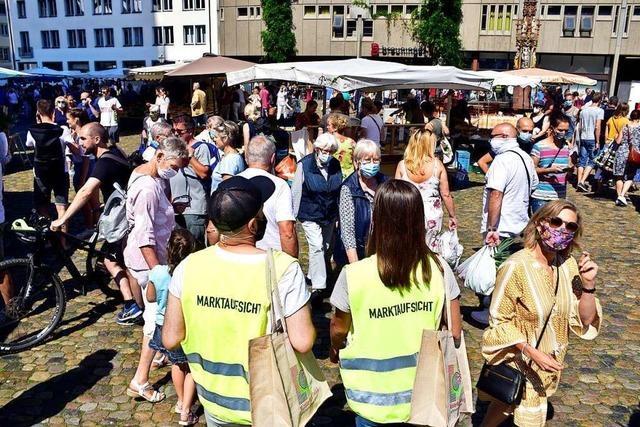 Einhaltung der Corona-Regeln auf dem Münstermarkt soll wöchentlich geprüft werden
