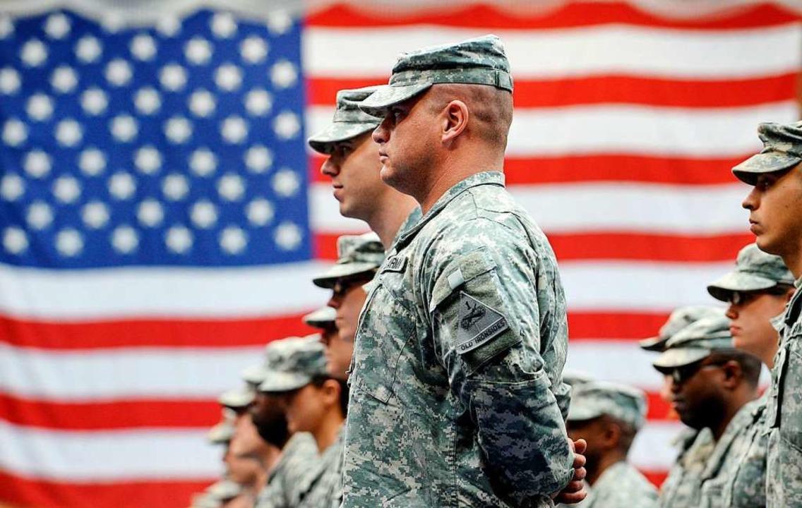 Knapp 12000 Soldaten wollen die USA aus Deutschland abziehen.  | Foto: Frank May (dpa)