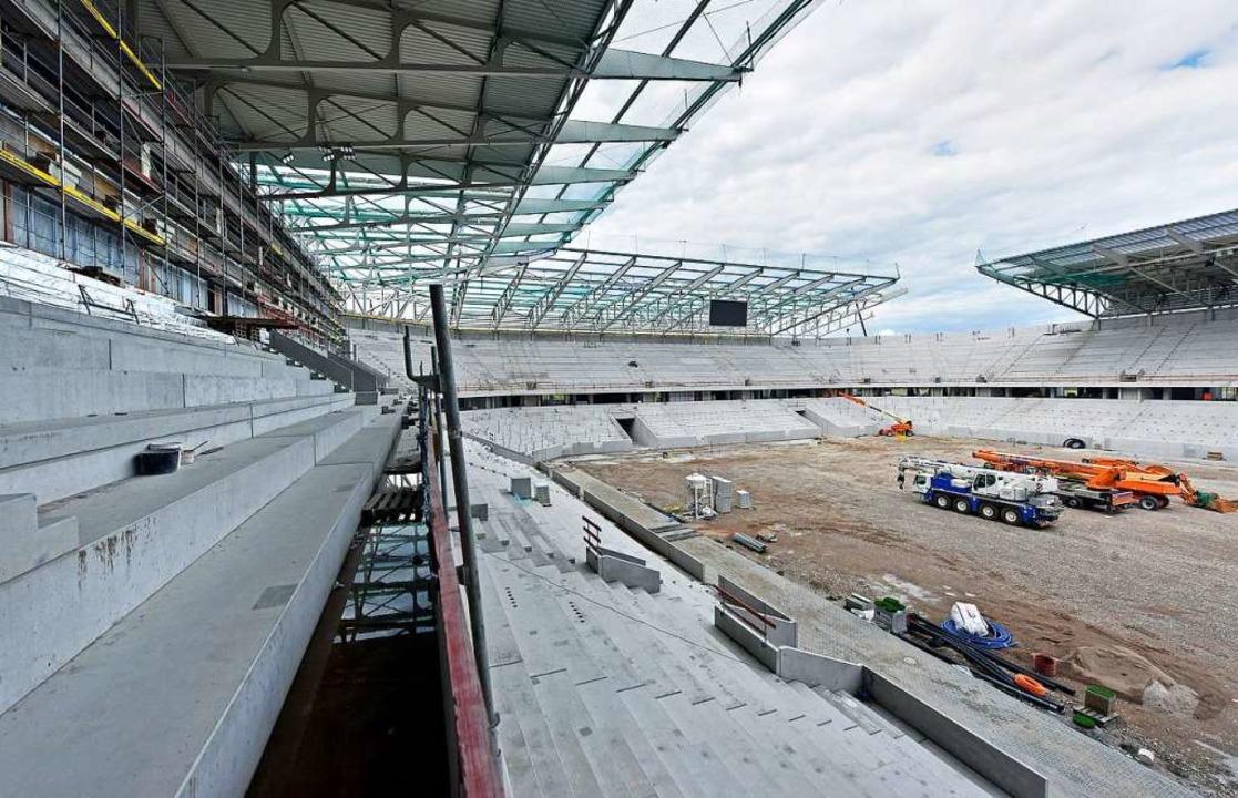 Da gibt's noch viele Baustellen: das neue SC-Stadion.  | Foto: Michael Bamberger