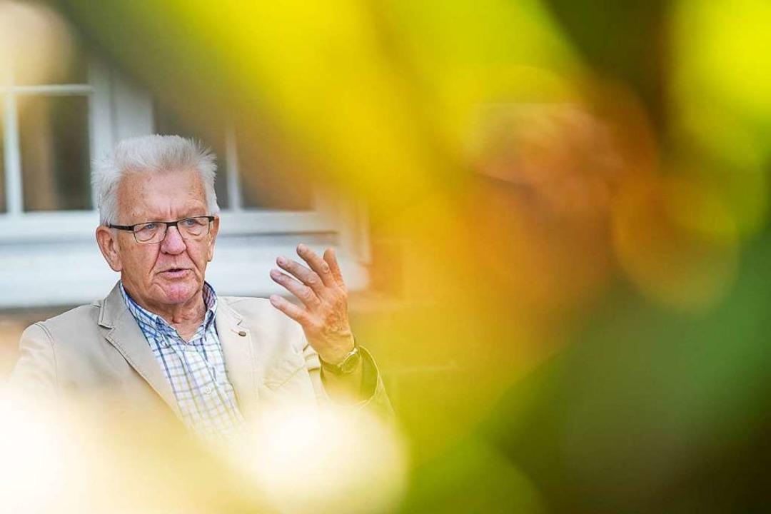 Kretschmann hält  Urlaub im Ausland für nicht angemessen.    Foto: Sebastian Gollnow (dpa)