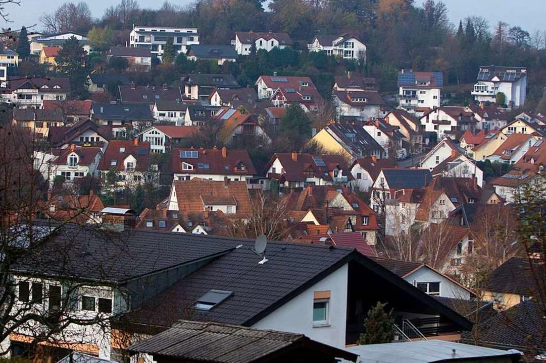 Archivfoto: Um das unbebaute Areal oben tobt ein Konflikt  | Foto: Patrik Müller
