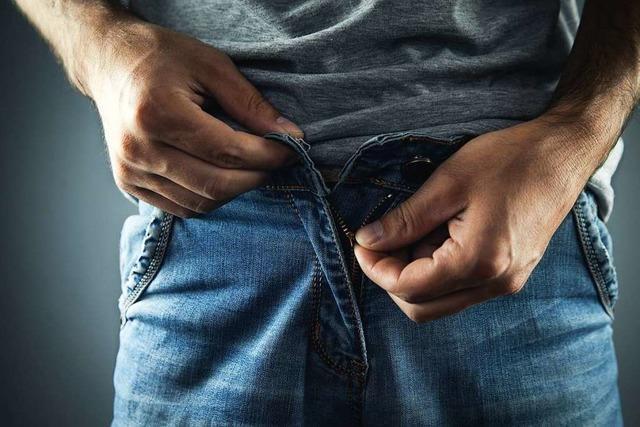 Mann klingelt nackt bei Nachbarin – Gericht sieht keinen Exhibitionismus