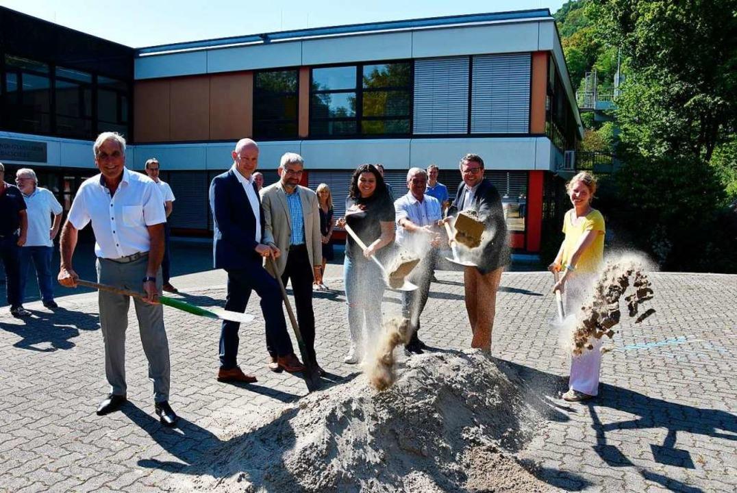 Architekt Harry Vogt (von links), die ...z und Bauamtsleiterin Sabine Schneider  | Foto: Heinz und Monika Vollmar