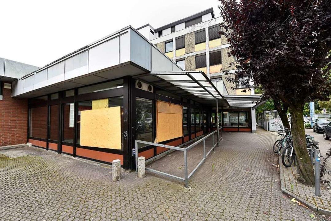 Im November 2019 hat der Supermarkt an der Kreuzstraße den Betrieb eingestellt.  | Foto: Thomas Kunz