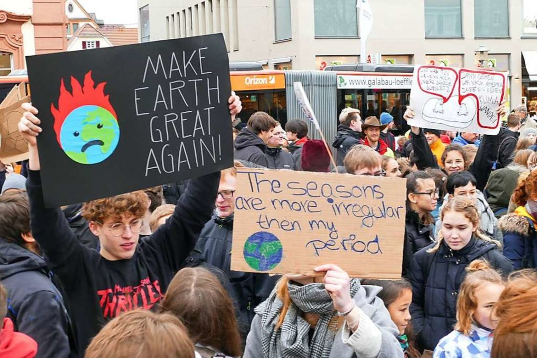 Junge Menschen haben politische Anlieg...-for-Future-Demonstration in Offenburg  | Foto: Helmut Seller