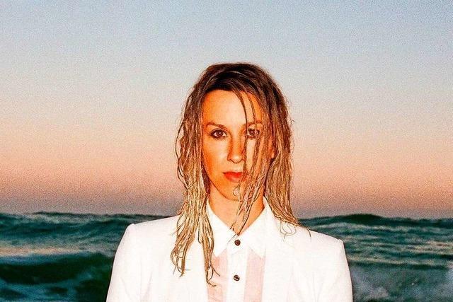 Alanis Morissette meldet sich mit neuem Album zurück