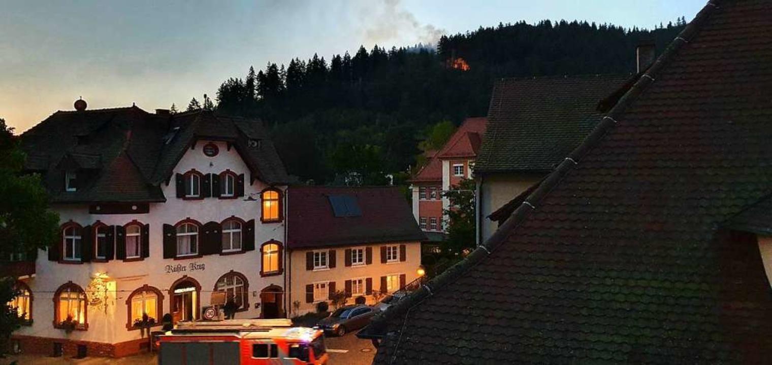 Am Eselbacken über Günterstal brannten...and gingen binnen weniger Minuten ein.  | Foto: Ute Nostadt
