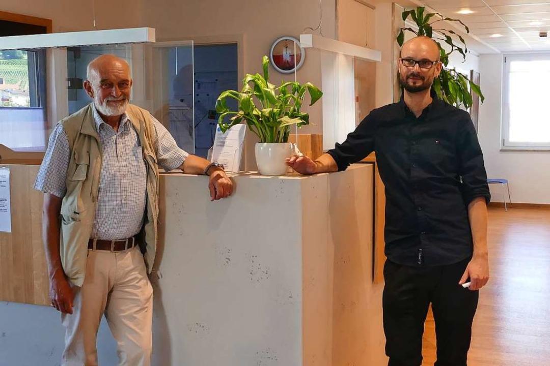Gerhard Kienle (links) hat seine Praxi...inen Sohn,  Philipp Kienle, übergeben.  | Foto: Victoria Langelott