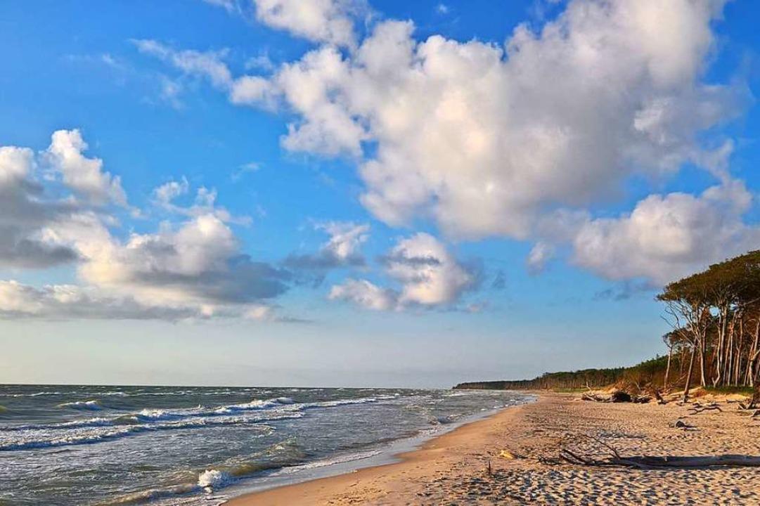 Ein kilometerlanger Strand ist das Sin... wünschen: Freiheit und Sorglosigkeit.  | Foto: Birgit Herrmann