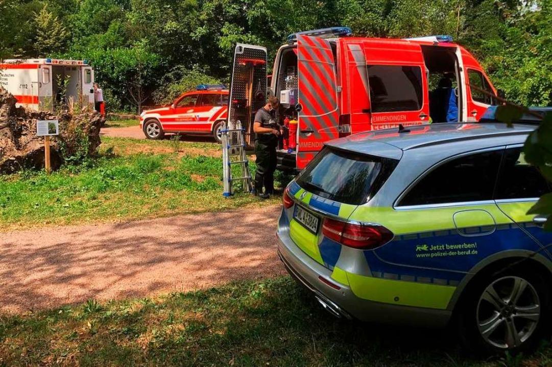 Neben der Polizei waren auch Feuerwehr und Rettungsdienst im Einsatz.  | Foto: Feuerwehr Emmendingen