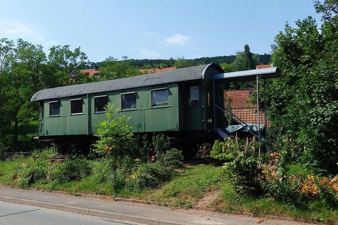 Selfie-Kandidat: Der kultige Inzlinger Eisenbahnwaggon.  | Foto: Johanna Hoegg