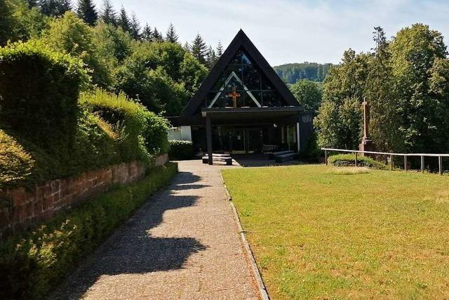 Auf dem Sulzer Friedhof wird ein gärtnergepflegtes Grabfeld angelegt