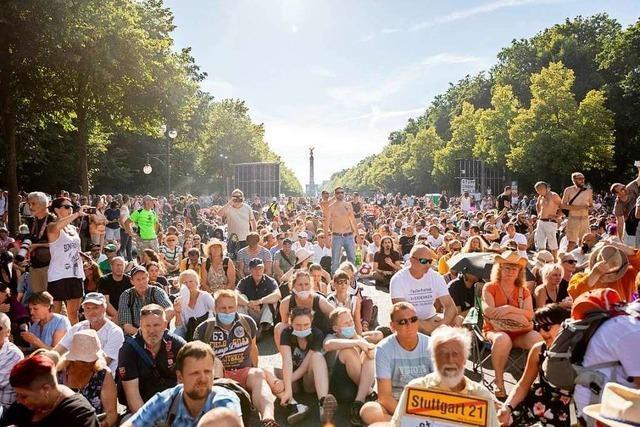 Fotos: Demonstration gegen Corona-Beschränkungen in Berlin
