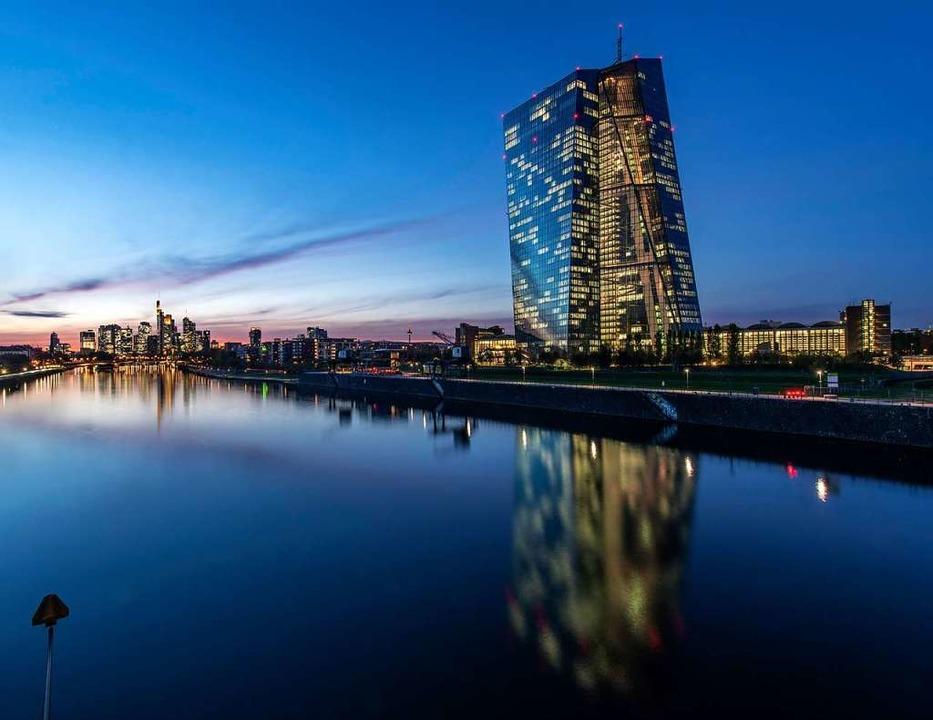 Die Europäische Zentralbank in Frankfurt   | Foto: Boris Roessler (dpa)