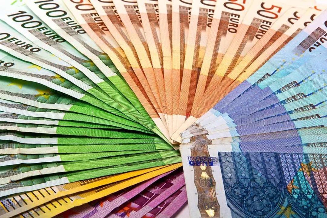 Das Geld war in einem Handtuch eingewickelt (Symbolbild).  | Foto: joesphotostyle  (stock.adobe.com)