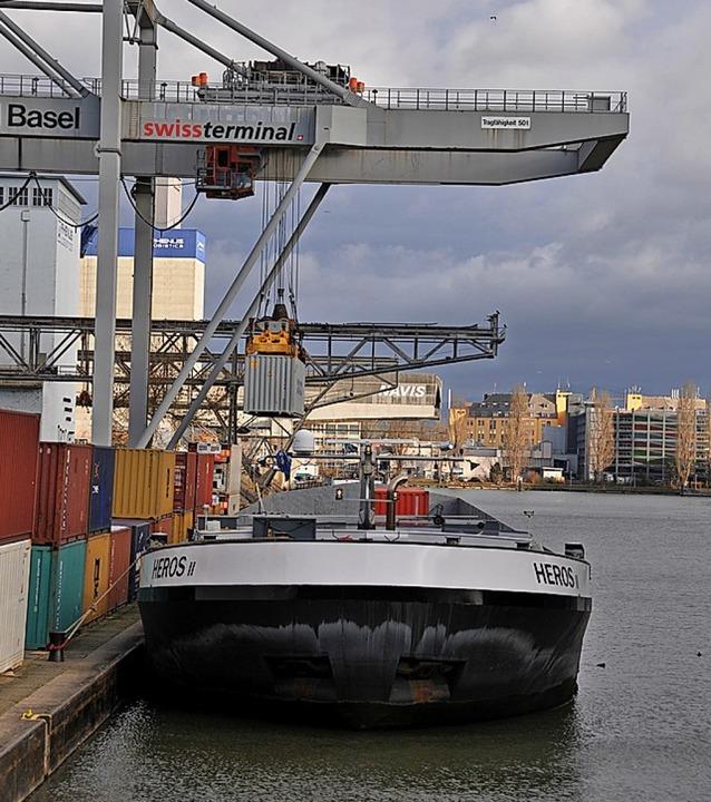 Auch die Schweizerischen Rheinhäfen spüren die Corona-Krise.    Foto: Daniel Gramespacher