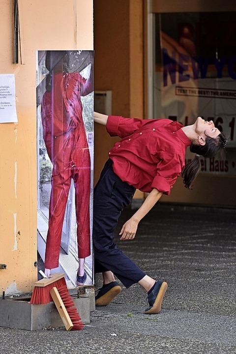 Auch eine Tanzperformance von Katarzyna Brzezinska gab es.    Foto: Thomas Kunz