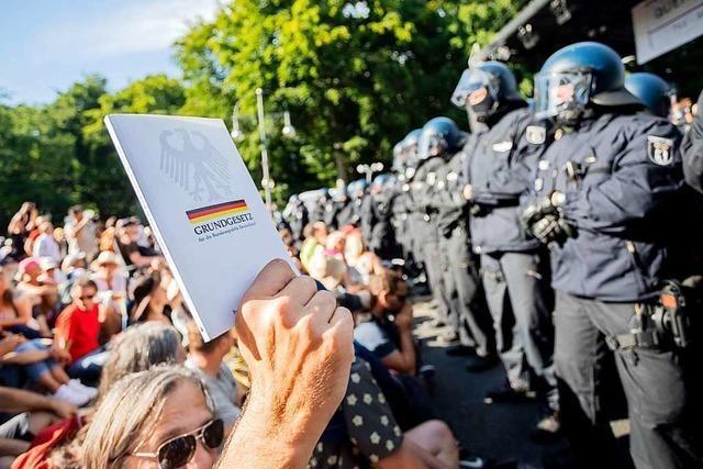 Berliner Corona-Demo löst Debatte um Versammlungsrecht aus