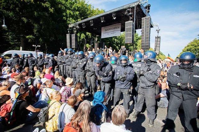 Polizeigewerkschafter verteidigen Strategie bei Berliner Corona-Demo