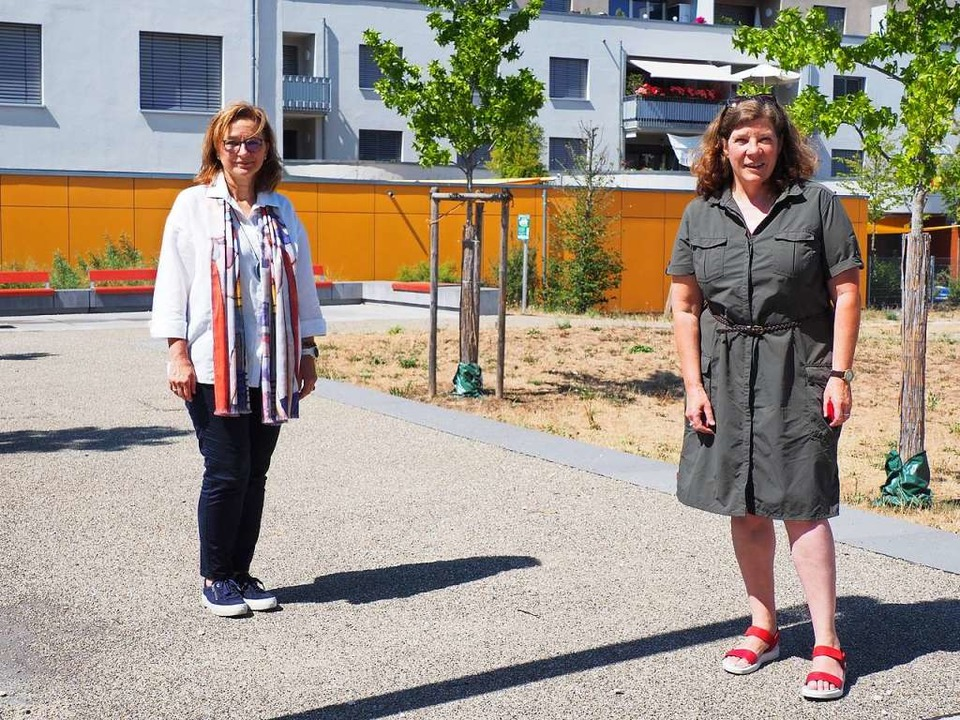 Gudrun Schemel (rechts) stellte Brigitte Lill vor.  | Foto: Herbert Frey