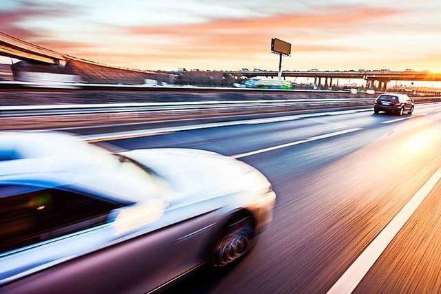 Polizei sucht Zeugen eines illegalen Autorennens auf der A5