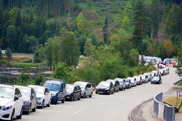 Parkplätze an Schwarzwaldseen sind wegen Ansturm überfüllt