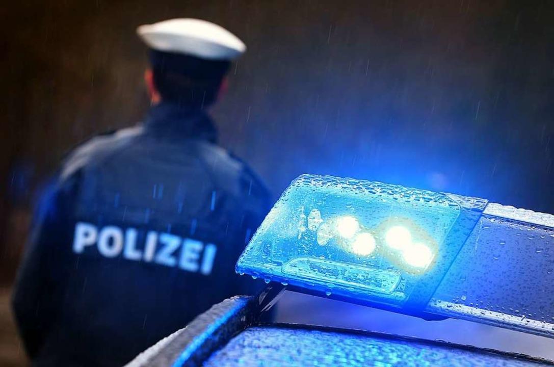 Die Polizei sucht nach dem Dieb,  der ... einen Wasserschlauch  gestohlen hat.   | Foto: Karl-Josef Hildenbrand (dpa)