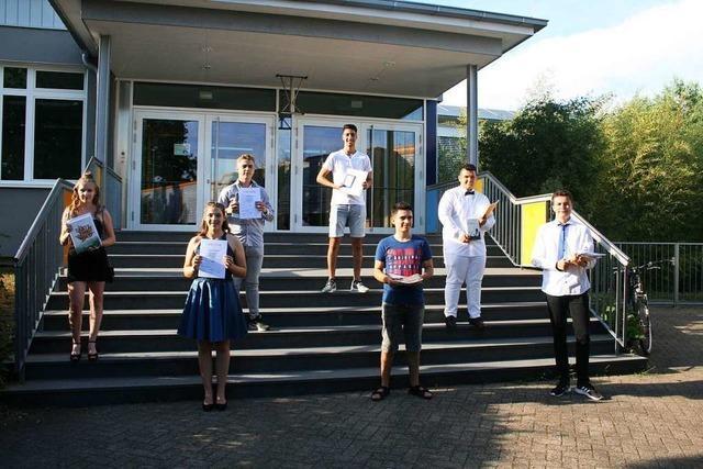 50 Schüler der Bärbel-von-Ottenheim-Schule haben bestanden