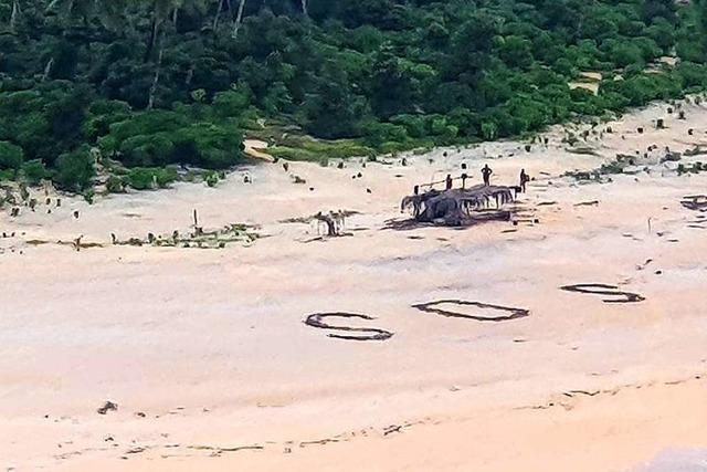 SOS-Zeichen im Sand rettet Seglern das Leben