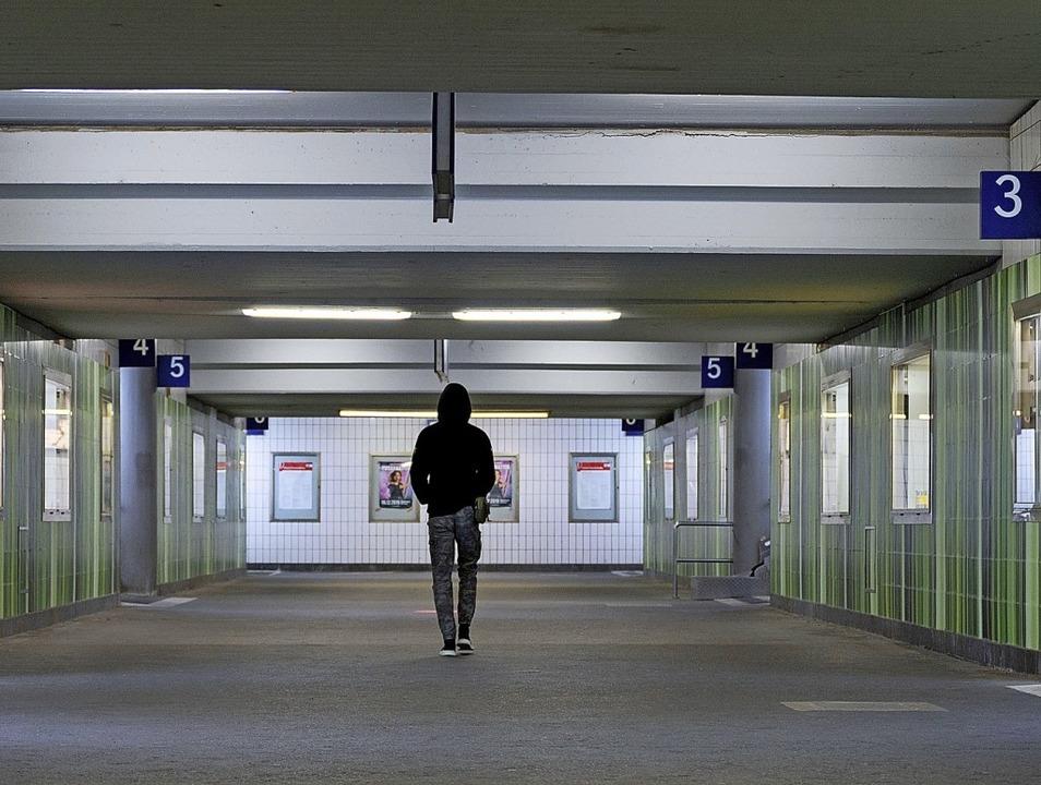 Durchgang in Göppingen: Bahnhöfe sind Schaukästen der Stadt    Foto: Marijan Murat (dpa)