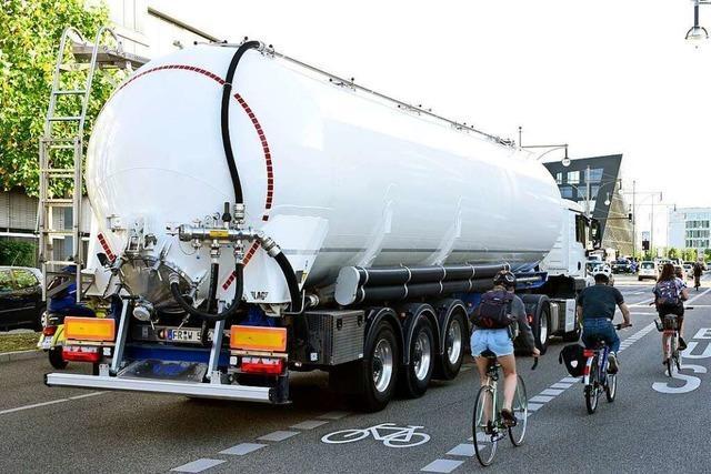 BZ-Testfahrt mit einem Laster an Freiburgs tödlicher Unfallstelle