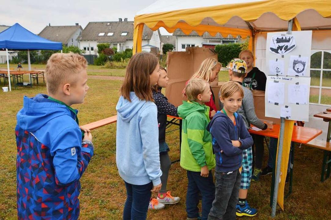 Kinder stehen zur Wahl des Bürgermeisters und der Gemeinderäte an.    Foto: Horatio Gollin