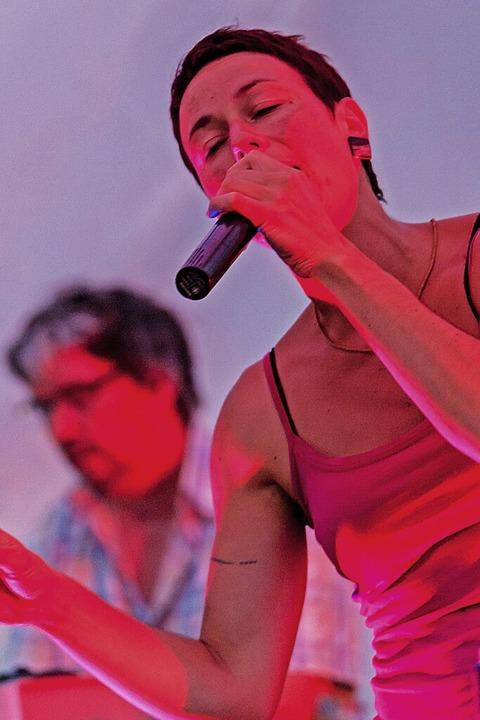 Steffi Lais – seit rund 30 Jahren auf den Bühnen der Region bekannt.  | Foto: privat
