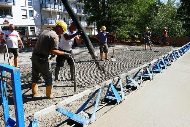 Bernhardusbrücke über den Neumagen erhält Betonplatte
